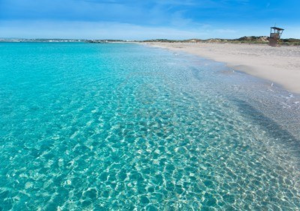 14275095-formentera-llevant-tanga-beach-with-perfect-turquoise-water