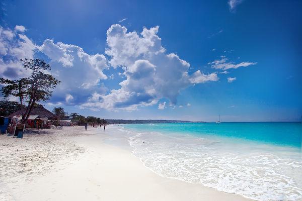 the-famous-7-mile-beach-jamaica-negril-7-mile-beach
